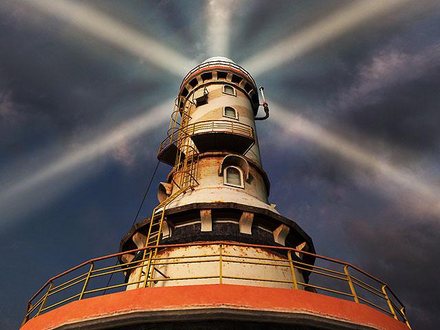 http://ru.3planesoft.com/img/lighthousepoint_screen02.jpg